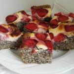 ciasto makowe z truskawkami i serem